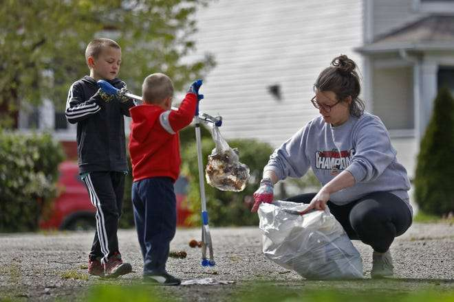 Cleaner Columbus Initiative Partners To Address Litter With Jobs And Volunteers